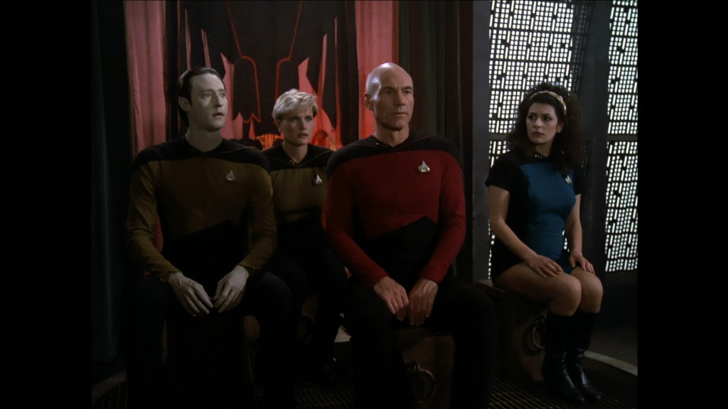 Encounter at Farpoint - Blu-ray - Bridge crew on trial