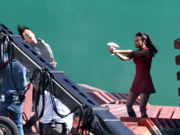 Star Trek 2 - Benedict Cumberbatch and Zoe Saldana (Uhura).