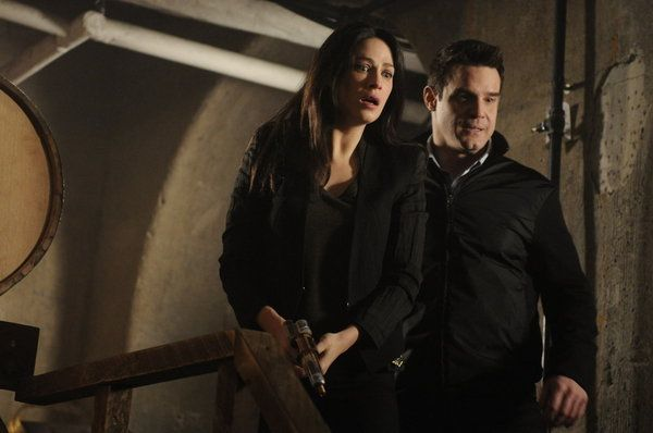 Warehouse 13 - Joanne Kelly as Myka Bering, Eddie McClintock as Pete Lattimer