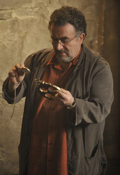 Warehouse 13 - A New Hope - Saul Rubinek as Artie Nielsen