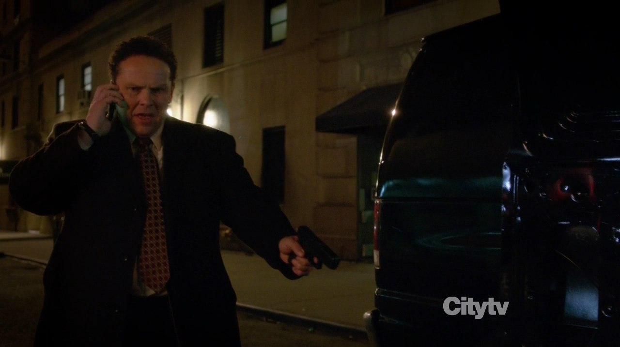 Detective Fusco (Kevin Chapman) finds something smelly - Person of Interest