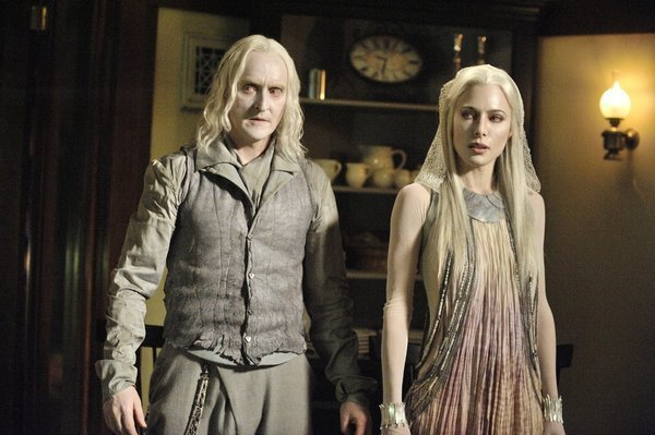 Defiance - Tony Curran as Datak Tarr and Jaime Murray as Stahma Tarr