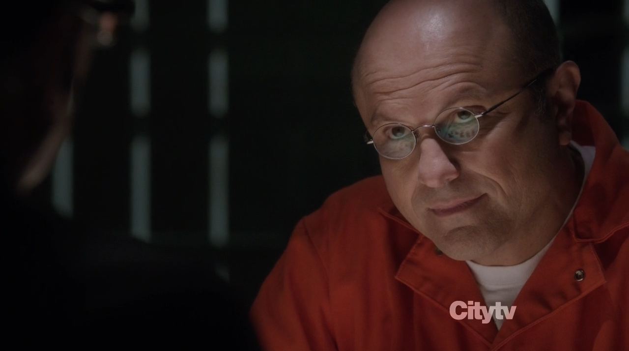 Elias (Enrico Colantoni) playing chess with Finch - Person of Interest Trojan Horse