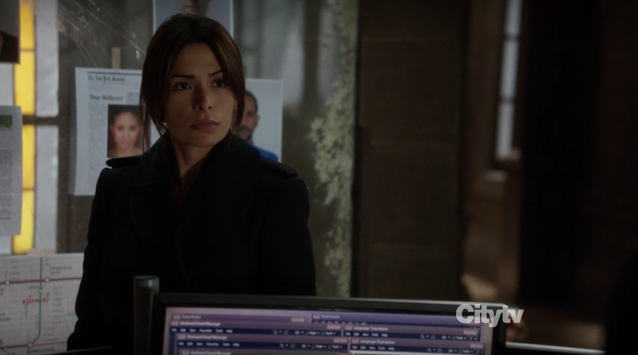 Sarah Shahi as Samantha Shaw in Finch's lair - Person of Interest Trojan Horse