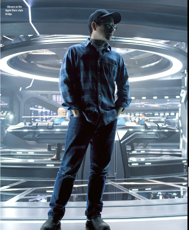 star-trek-into-darkness-jj-abrams-on-the-set