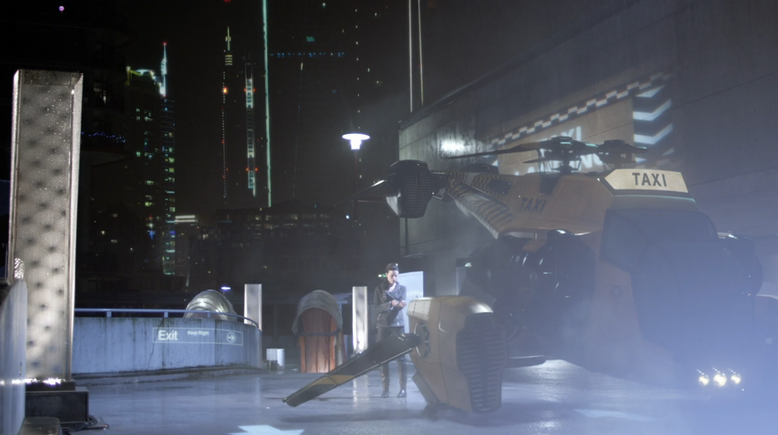 Kiera (Rachel Nichols) with a taxi from 2077 - Continuum - Second Thoughts