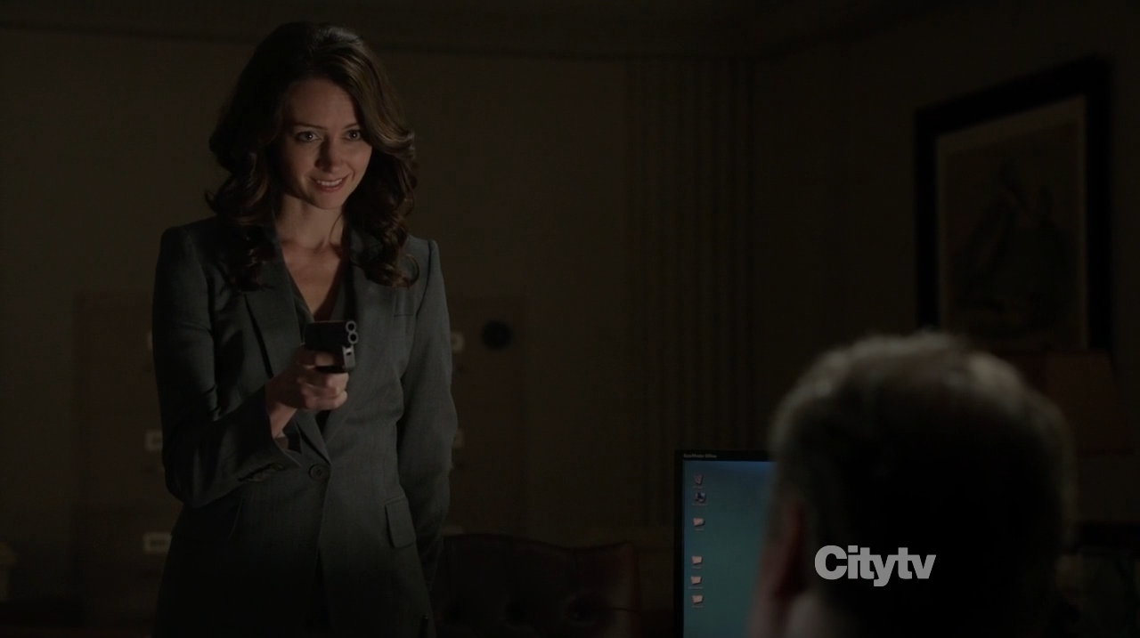 Root (Amy Acker) holdinf the special council hostage - Person of Interest