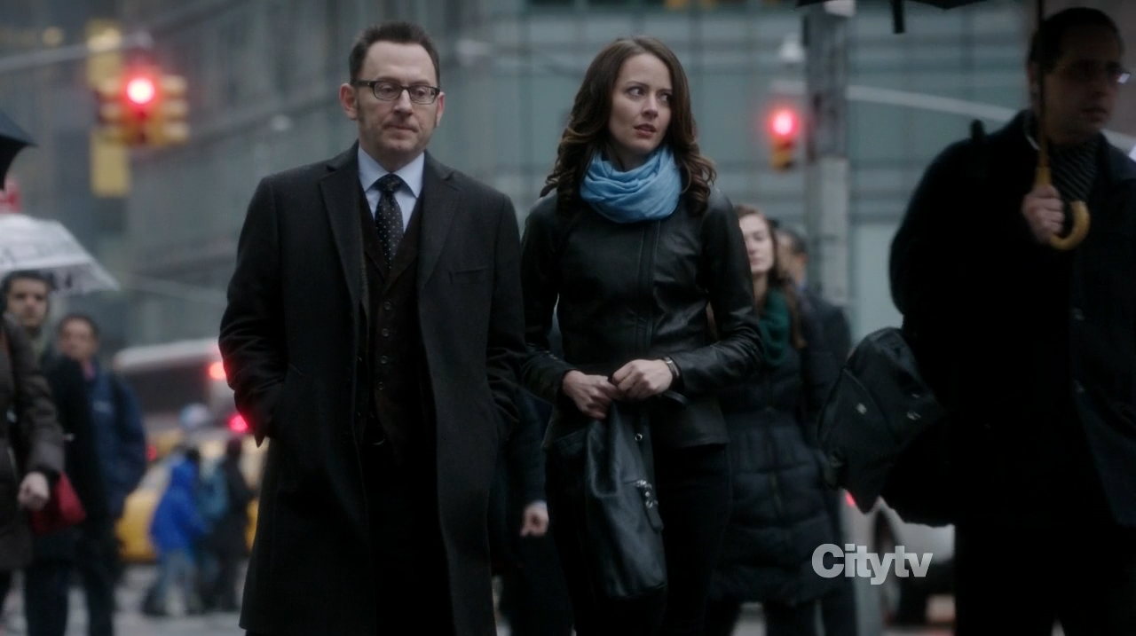 Root and Finch walking in Manhattan - Person of Interest - Zero Day