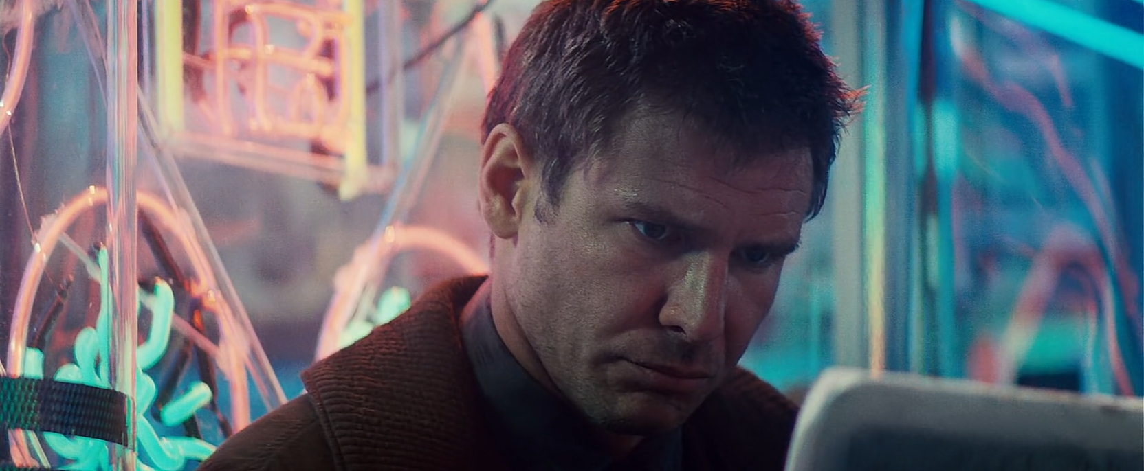 Humans and Replicants in Ridley Scott's Blade Runner
