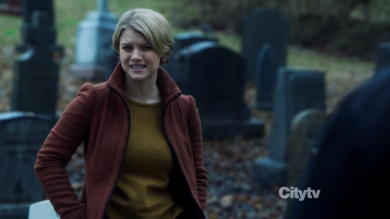 detective rebecca madsen (sarah jones) - scifiempire