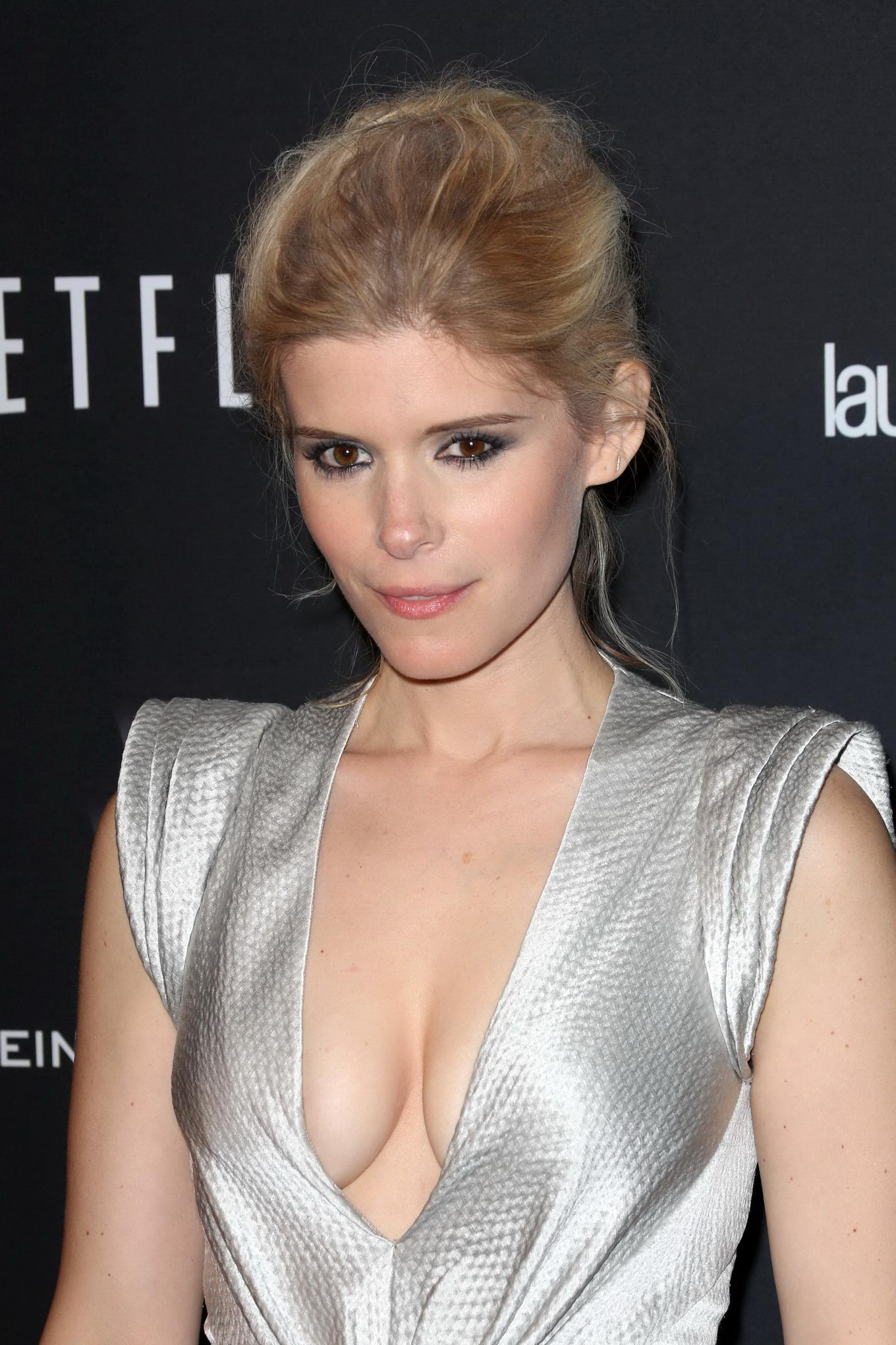 Kate-Mara-cleavage-in-Fantastic-Four