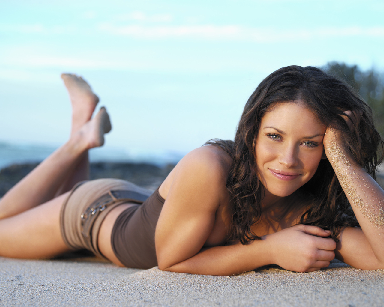 08 Jan 2005 --- Evangeline Lilly --- Image by © Art Streiber/Corbis Outline