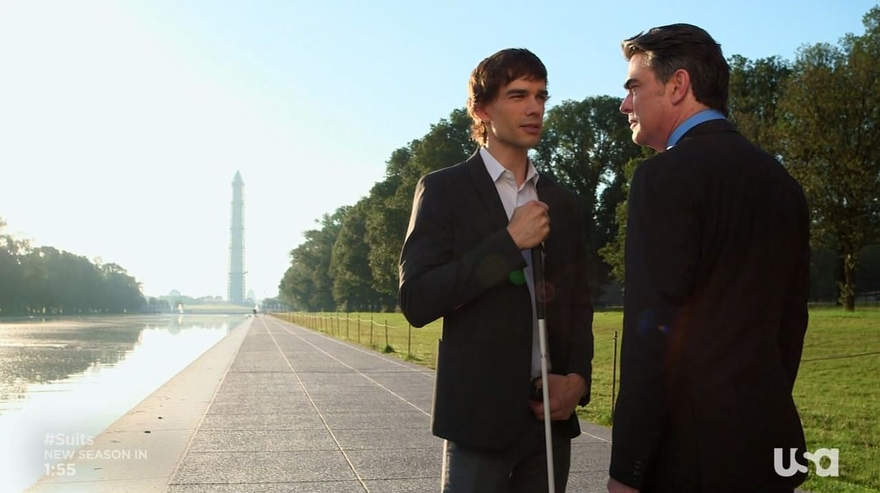 Auggie and Arthur talking at the Washington Monument - Covert Affairs season 4 Vamos