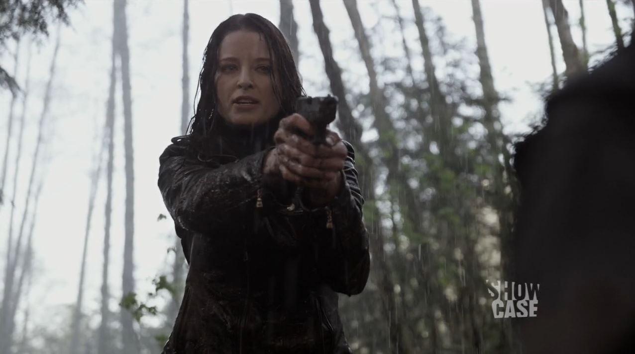 Rachel Nichols as Kiera Cameron torturing Julian - Continuum