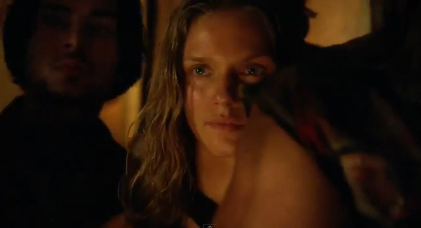 Revolution season 2 - Tracy Spiridakos as Charlie Matheson hunting Monroe