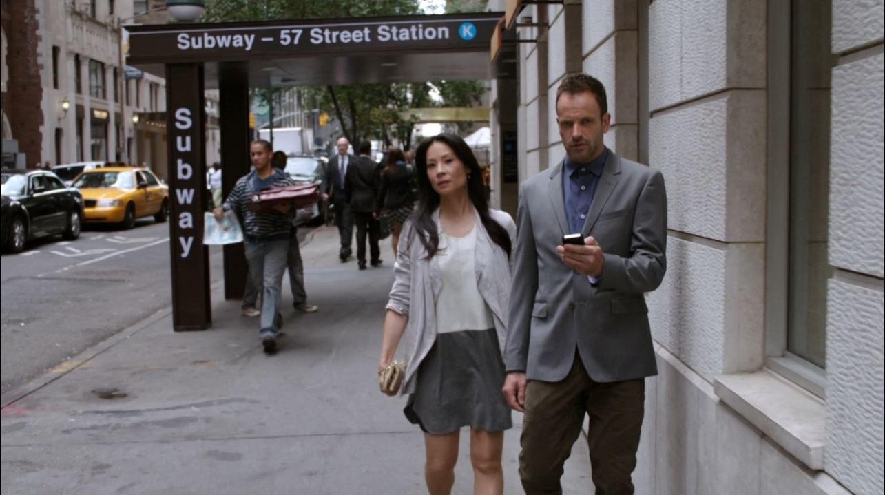 Lucy Liu (Joan Watson) and Sherlock tailing Muller - Elementary - Lucy Liu mini-dress