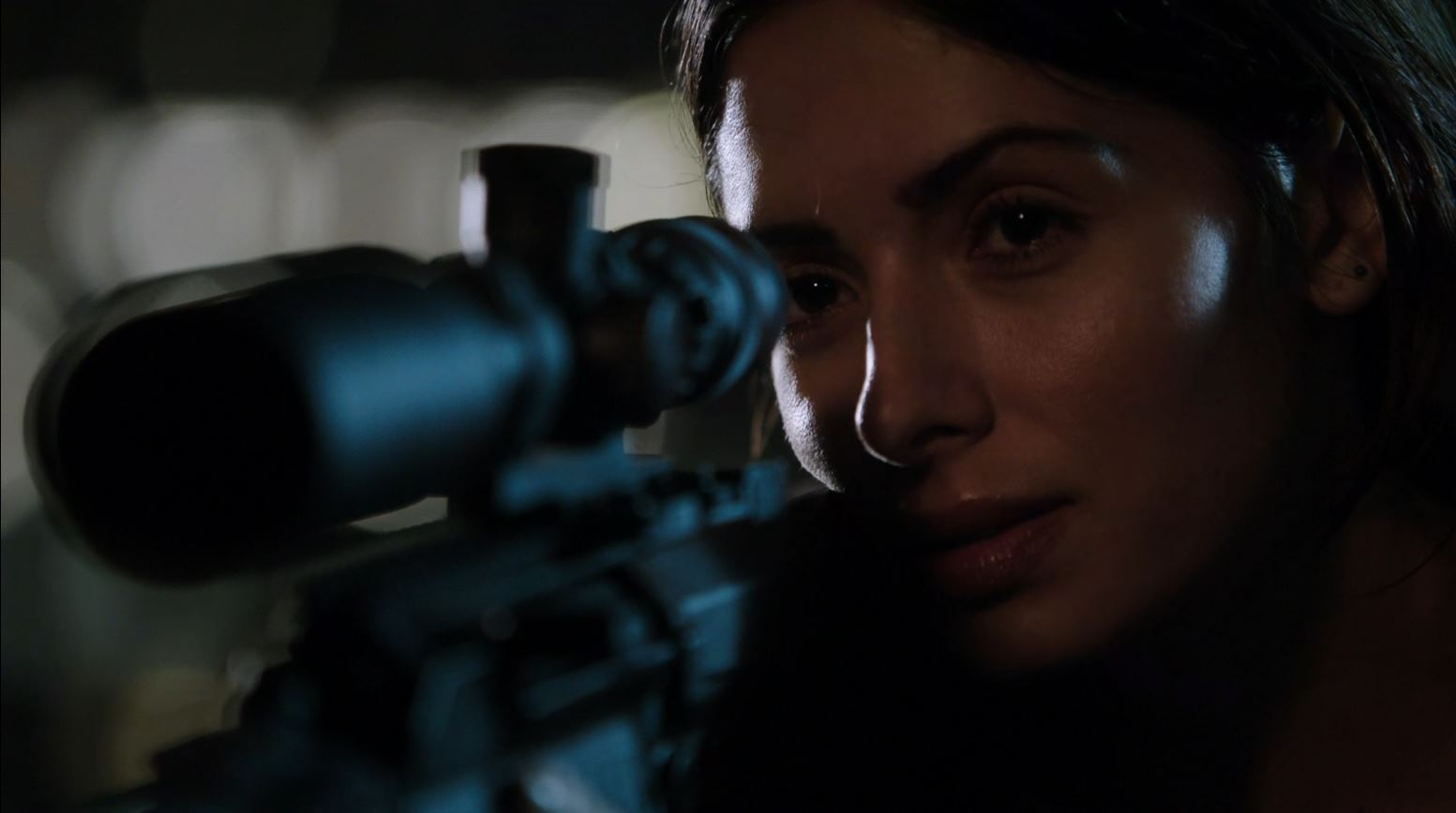 Sarah Shahi as Samantha Shaw using sniper rifle - Person of Interest