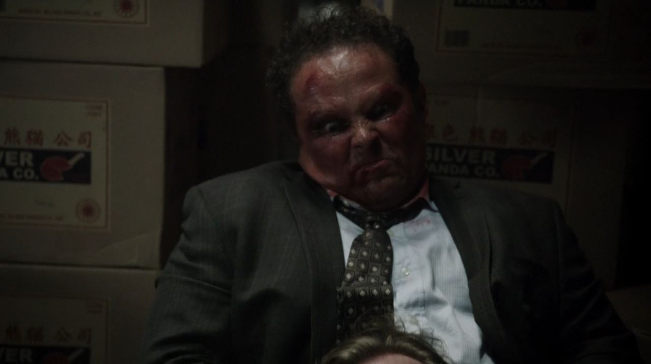 Person of Interest The Crossing - Fusco (Kevin Chapman) strangles the HR cop to death