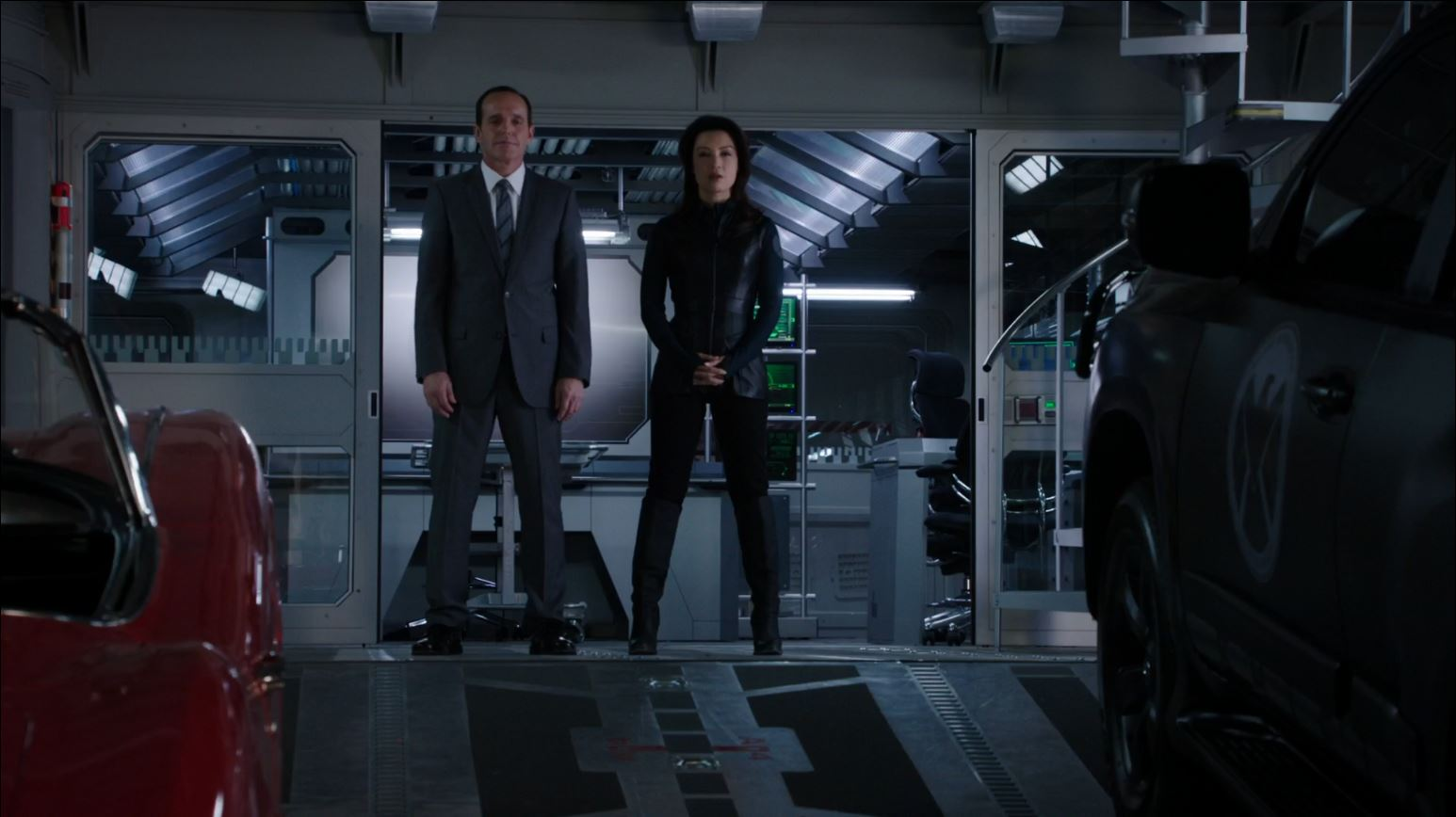 Agents of SHIELD - Coulson and May waiting for Mike Peterson - Agents of S.H.I.E.L.D S1Ep10 'The Bridge' Review