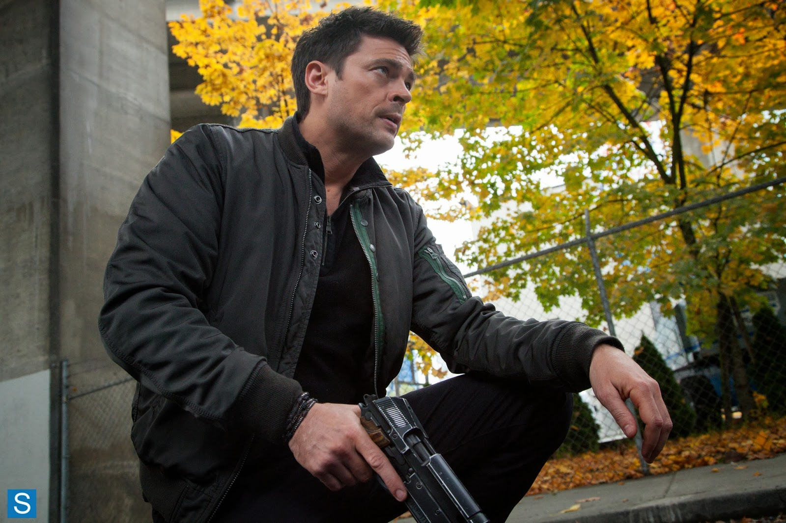 Almost Human - Karl Urban