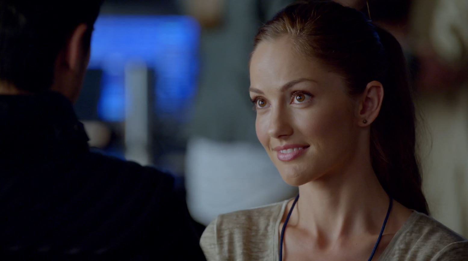 Minka Kelly as Detective Valerie Stahl - Almost Human - arrhythmia
