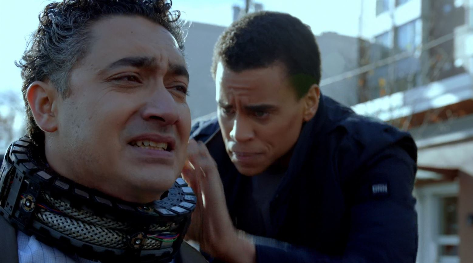 Almost Human - Dorian trying  to defuse bomb placed on Alessandro Juliani