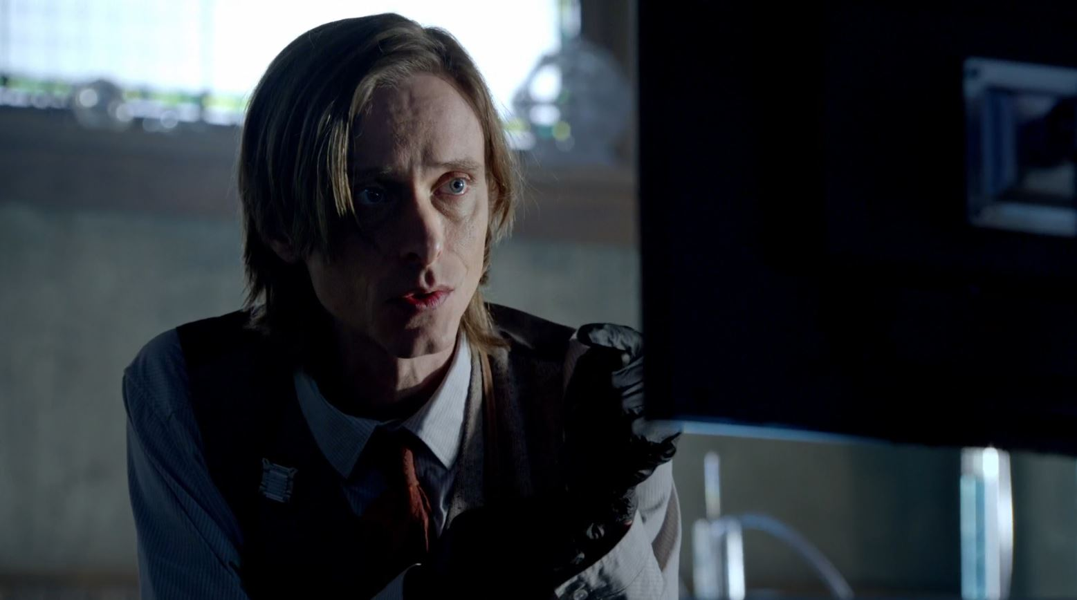 Almost Human - Mackenzie Crook as Technician Rudy Lom