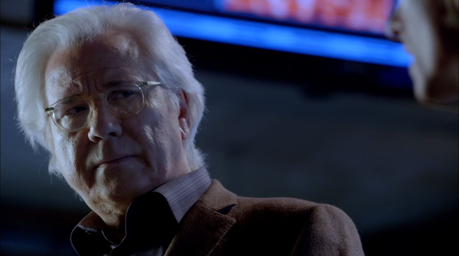 Almost Human - Unbound - John Larroquette as Dr. Nigel Vaughn