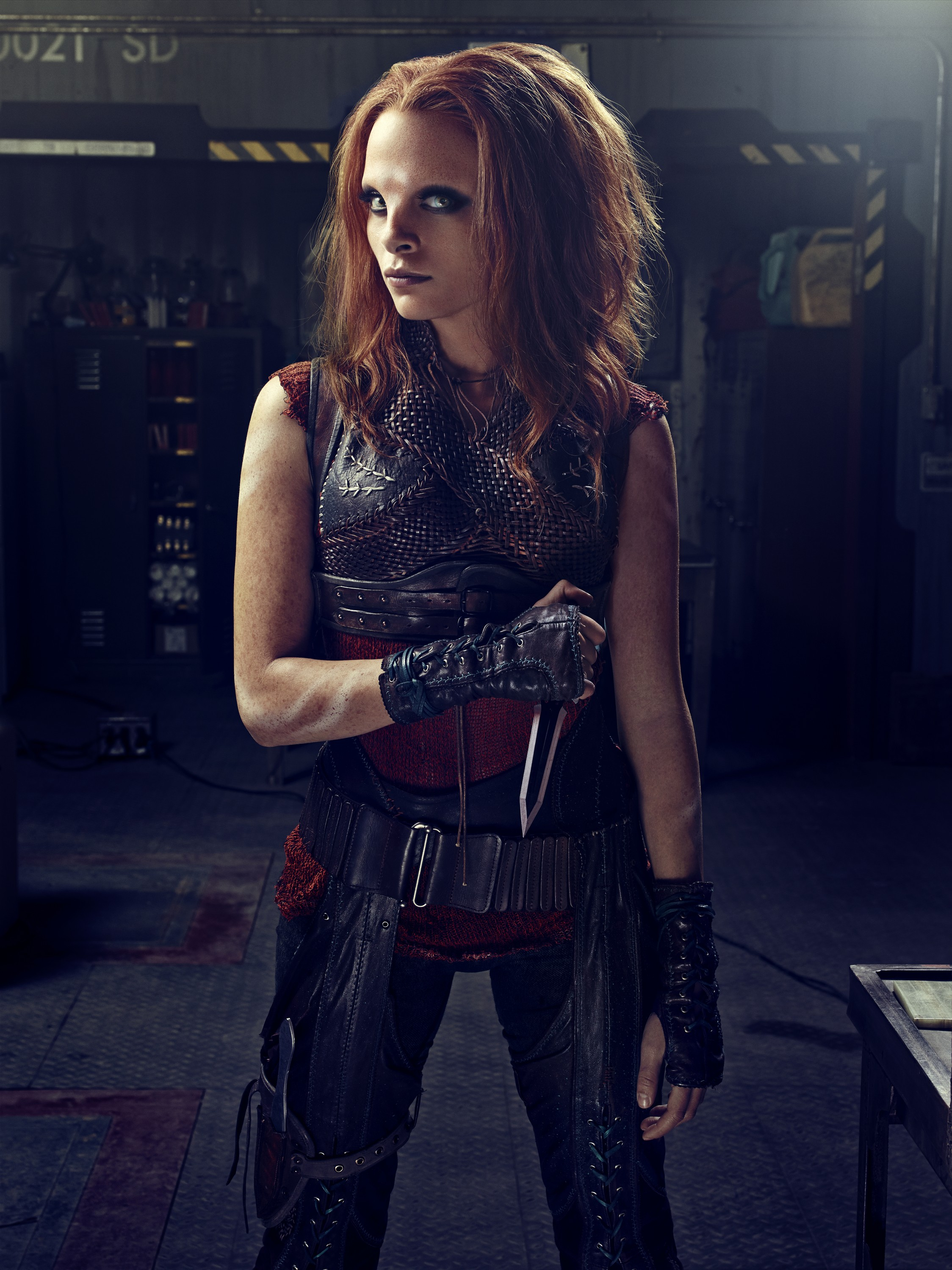 Defiance Season 2 - Stephanie Leonidas as Irisa Nyira  with a knife