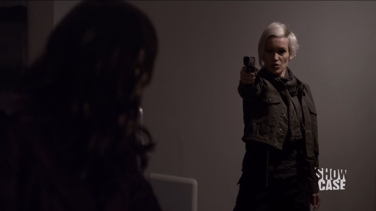 Continuum S3Ep8 So Do Our Minutes Hasten Review - Luvia Petersen as Jasmine Garza threatens Kiera