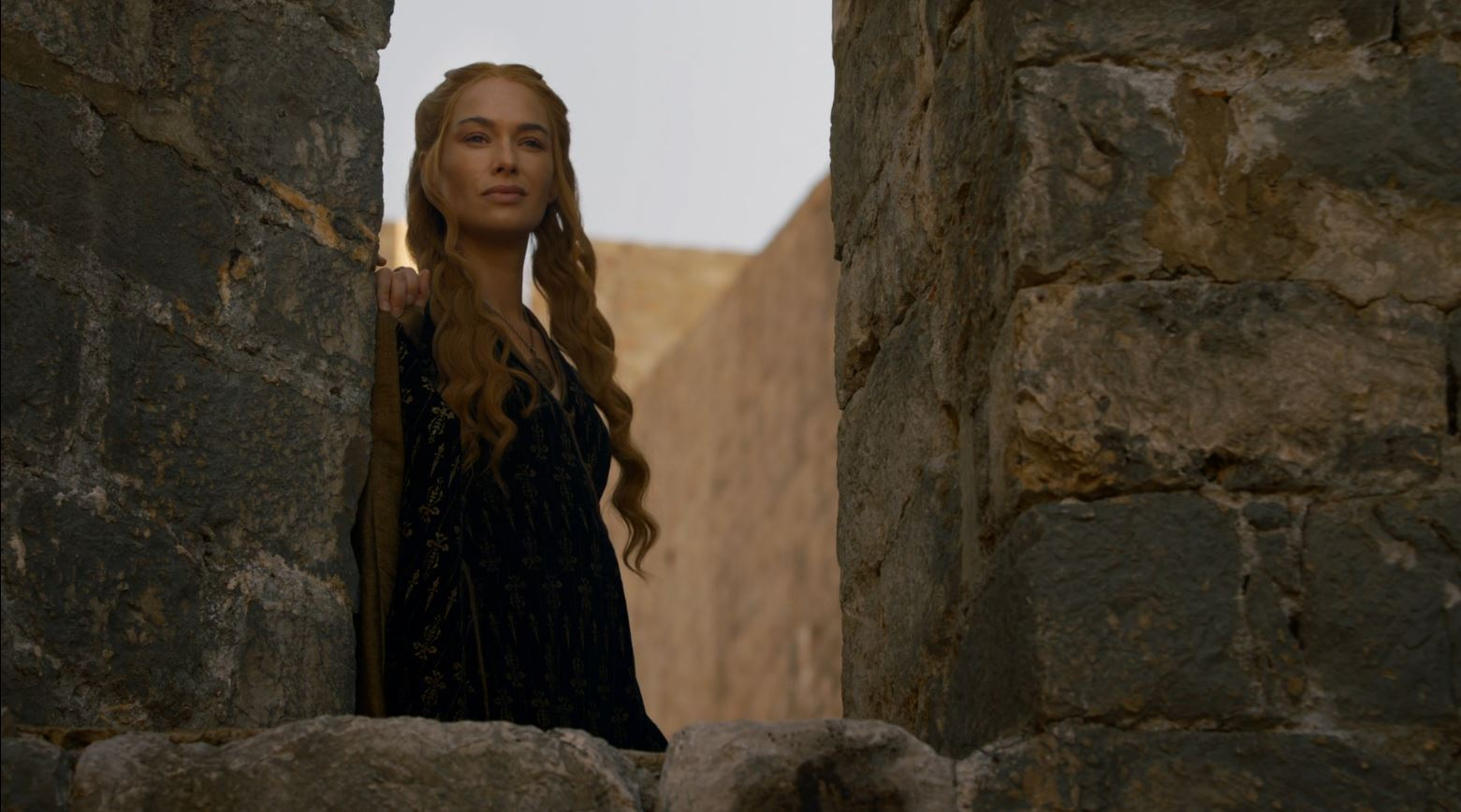 Game Of Thrones S4Ep7 Mockingbird Review - Lena Headey as Queen Cersei Lannister looking at the mountain