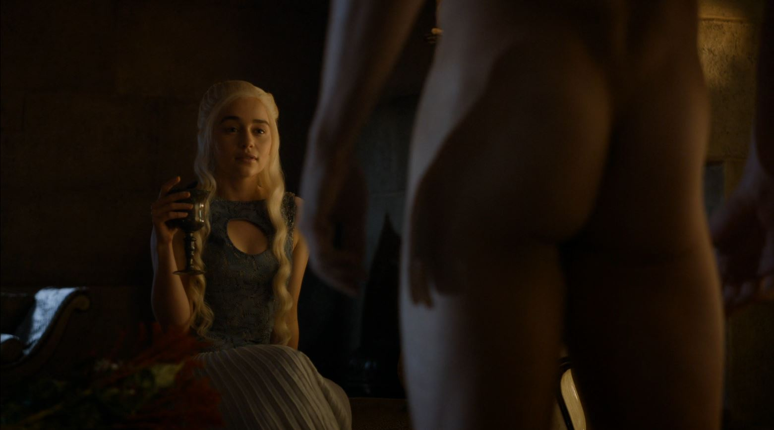 Game Of Thrones S4Ep7 Mockingbird Review - Nude Daario Naharis in front of Daenerys (Emilia Clarke)
