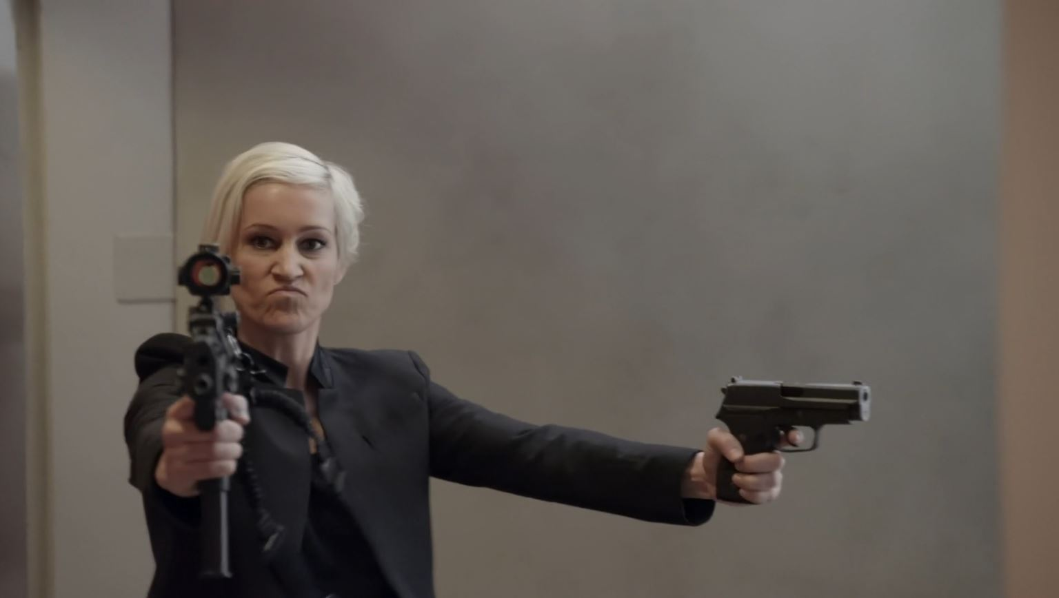 Continuum Season 3 Finale Last Minute Review - Luvia Petersen as Garza wielding two guns