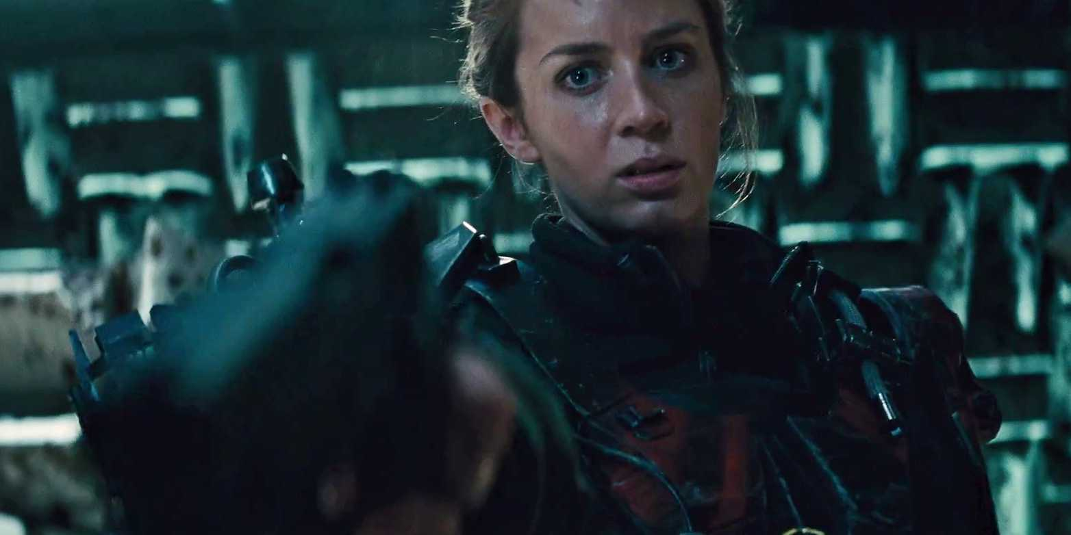 Summer Blockbuster you should avoid Emily Blunt kills tom Cruise in Edge Of Tomorrow