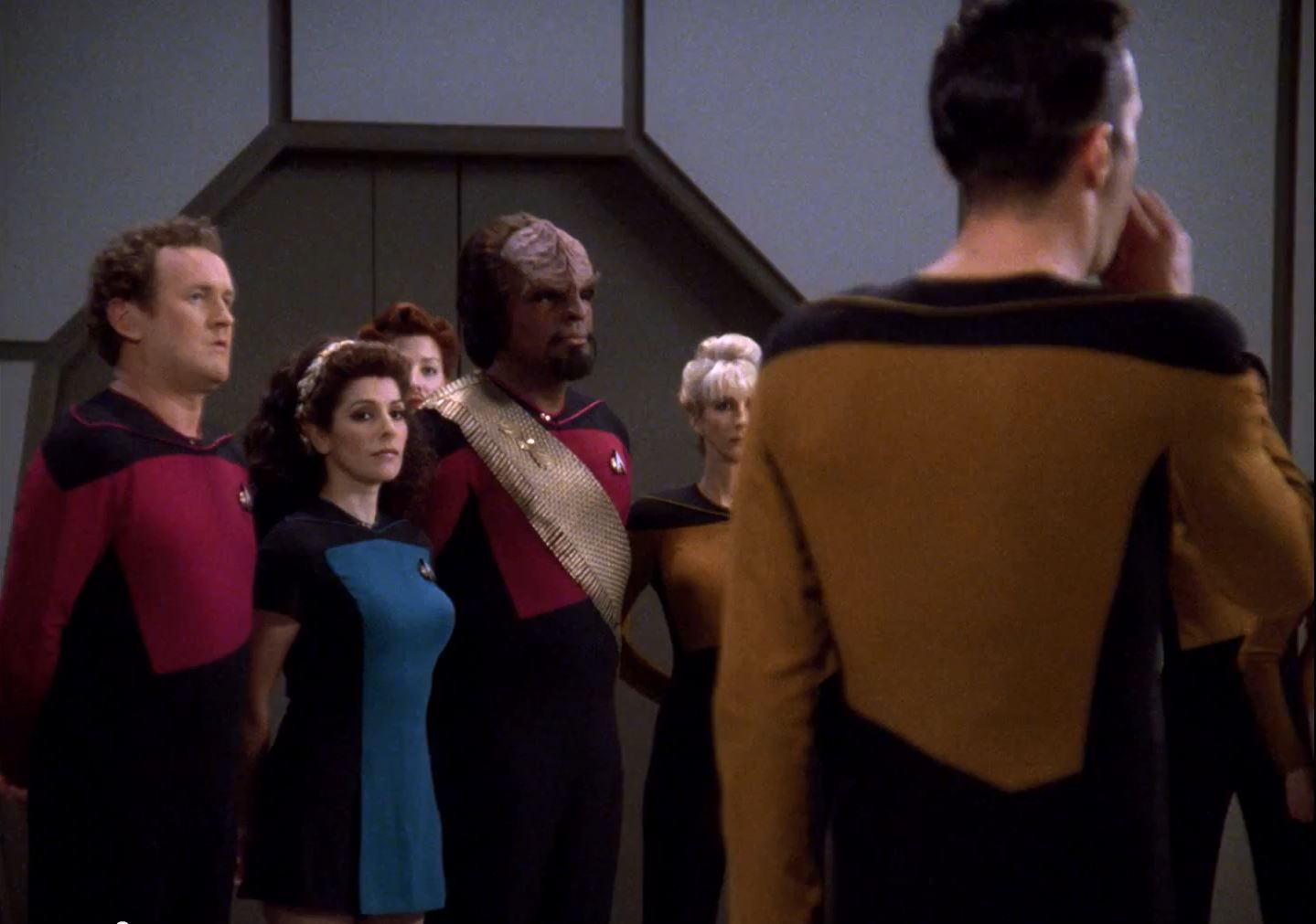 Star Trek TNG Season 7 Blu-Ray Trailer - Marina Sirtis in skirt skant uniform All Good Things