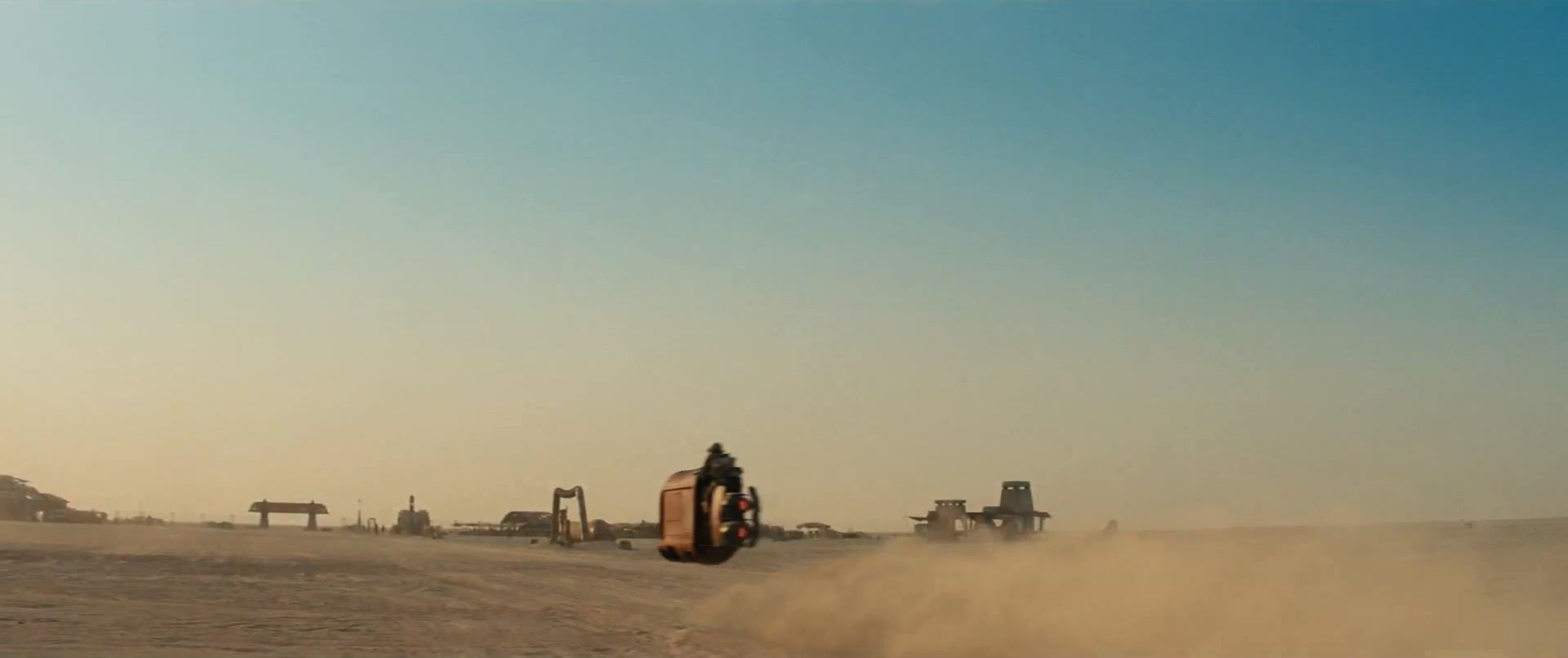 Daisy Ridley flying away Star Wars Episode 7 trailer released