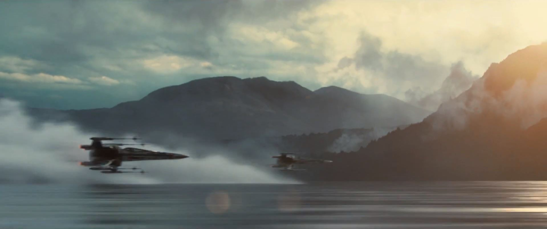 X-wing flying over water surface - Star Wars Episode 7 trailer released