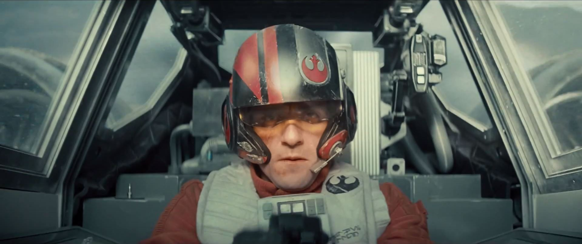 X-wing pilot -Star Wars Episode 7 trailer released