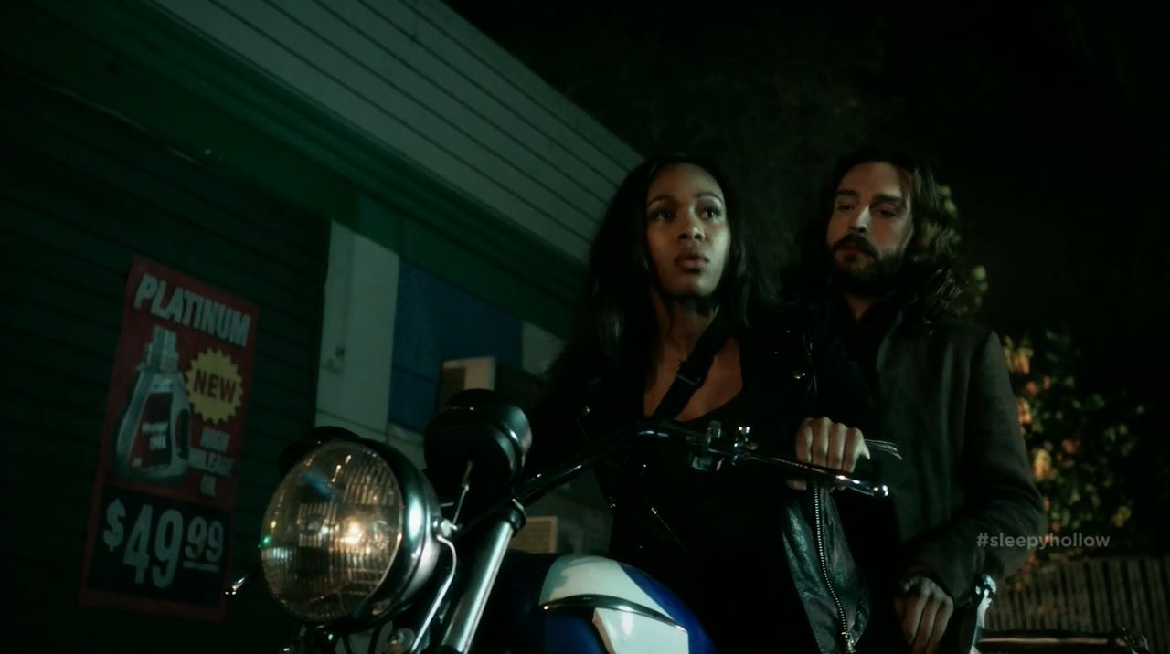 Abbie and Ichabod ride a motorbike - Sleepy Hollow S2Ep11 The Akeda Review