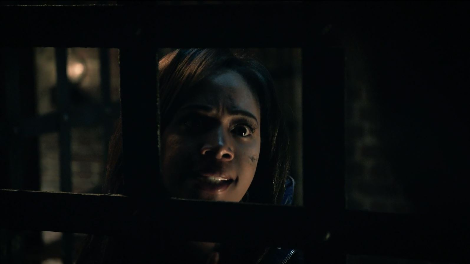 Sleepy Hollow Season 2 Finale Review. Abbie warns Ichabod about the horseman