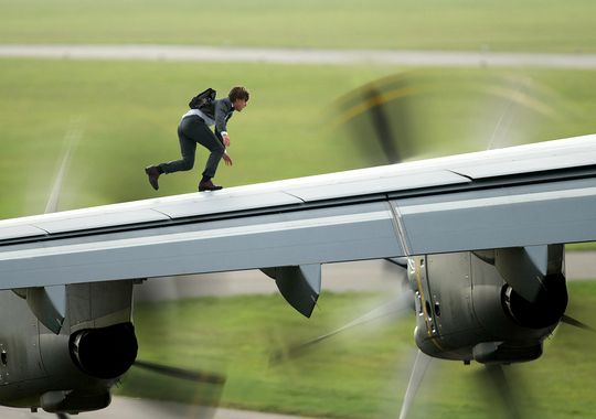 Mission Impossible Rogue Nation. Ethan running on a wing