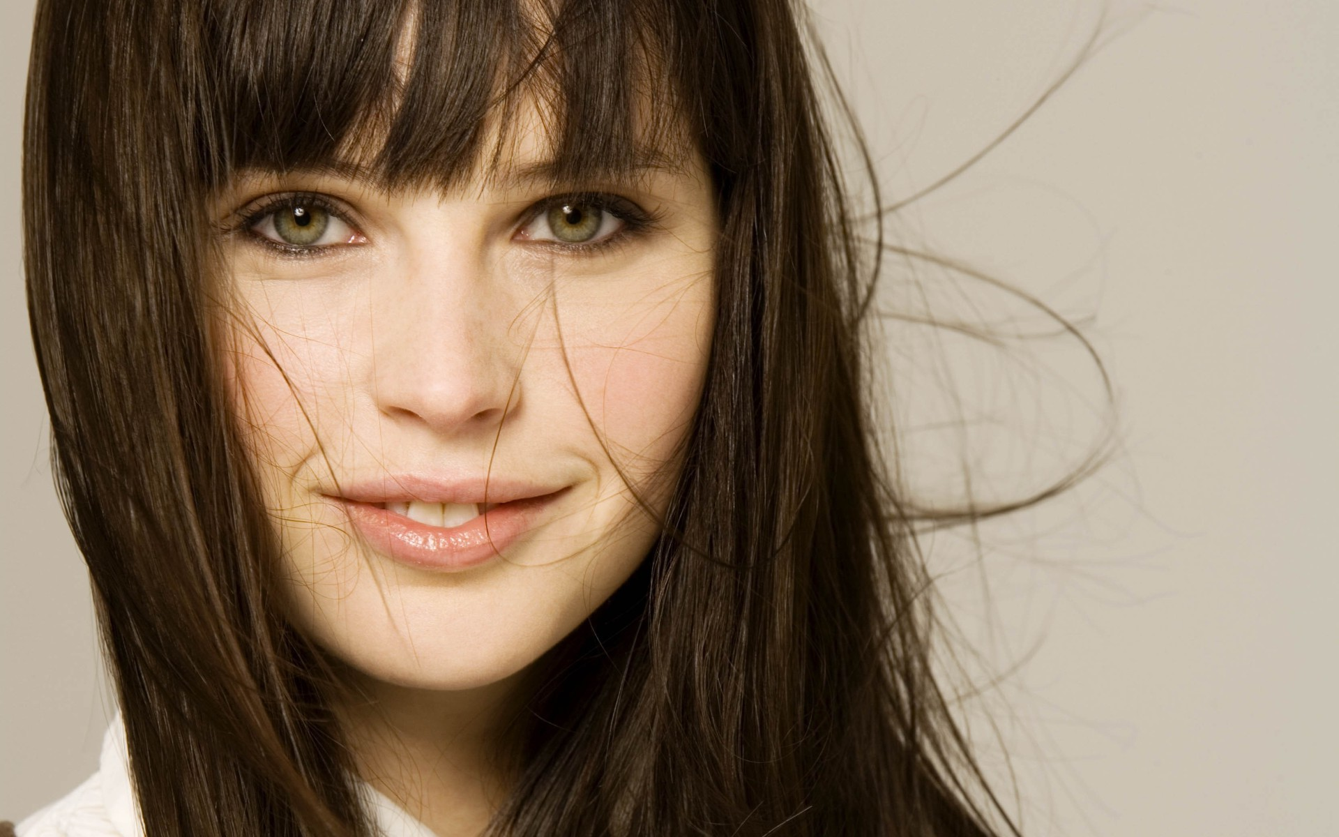 Star Wars News. Felicity Jones in Star Wars Rogue One
