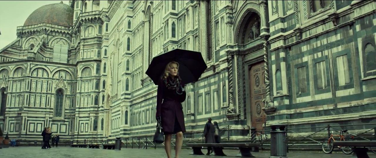Bedelia Du Maurier (Gillian Anderson) in Florence. Hannibal Season 3 Premiere.