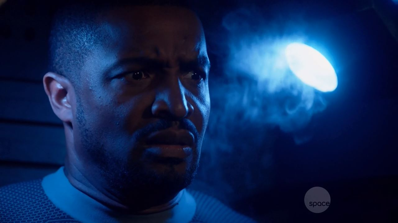 Roger Cross as Six or Griffin Jones. Dark Matter Series Premiere Review.