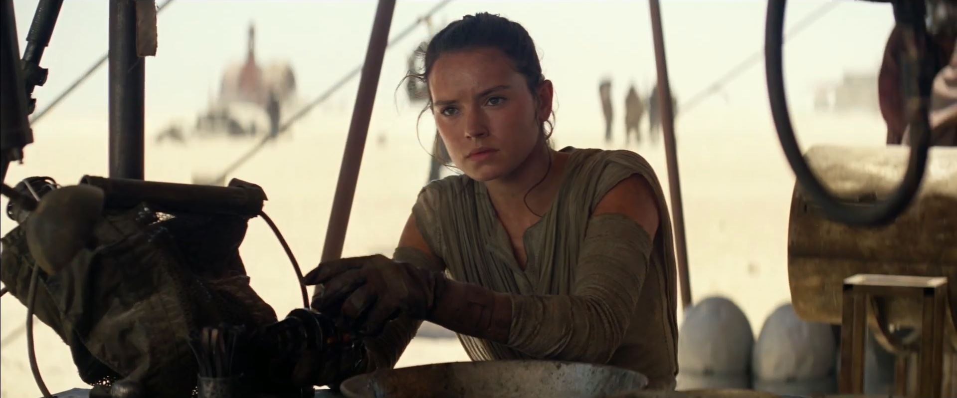 Rey stuck on Jakku. The Force Awakens trailer released