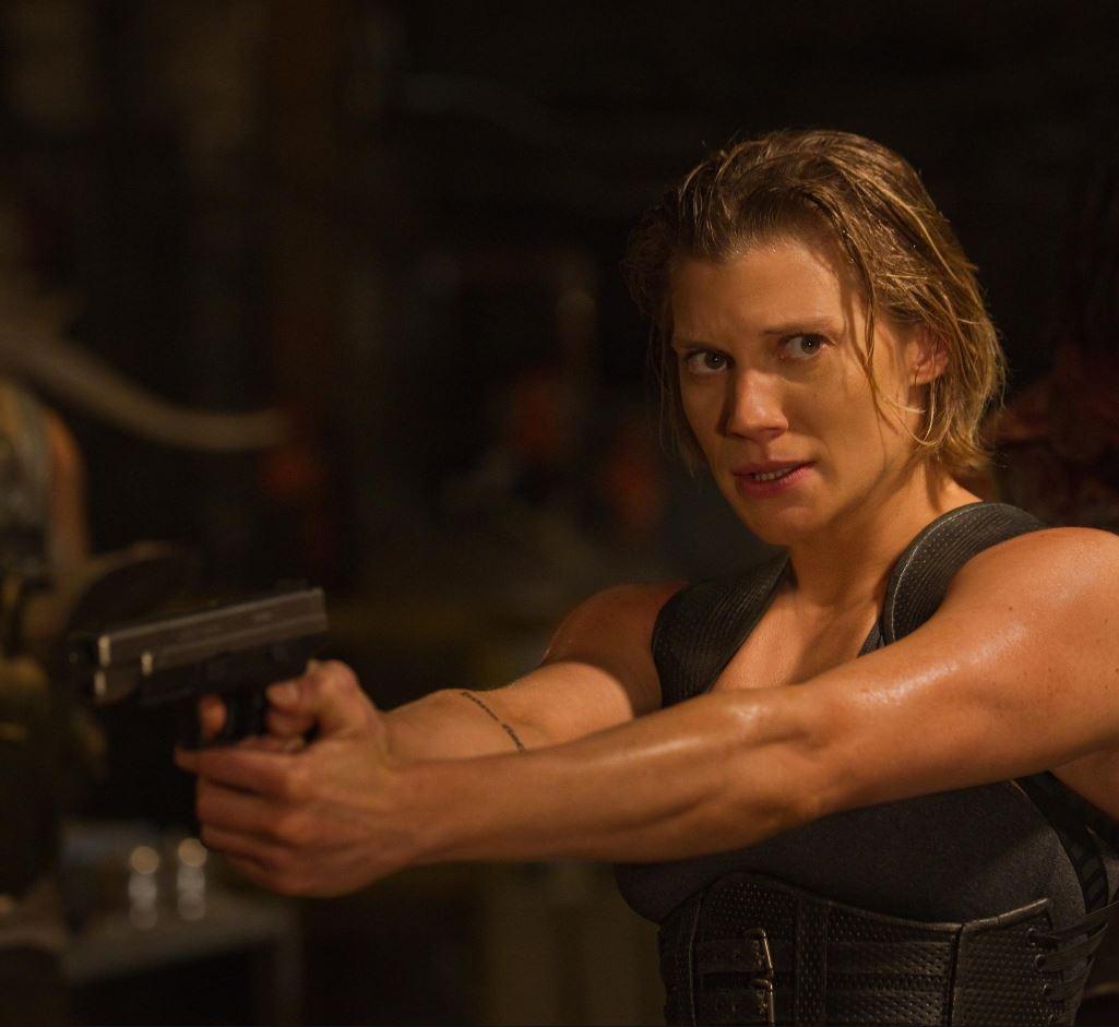 Katee Sackhoff in Riddick 4