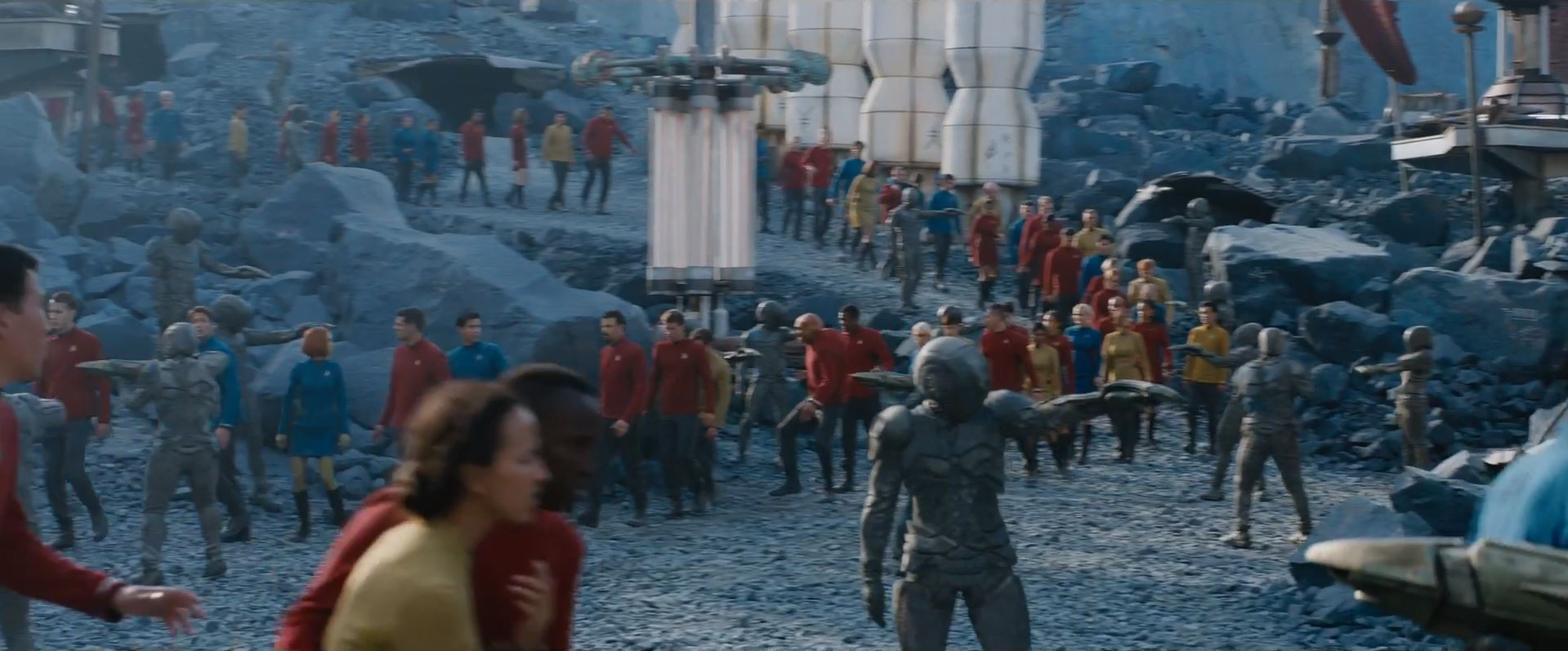 Starfleet prisoners - First trailer for Star Trek Beyond