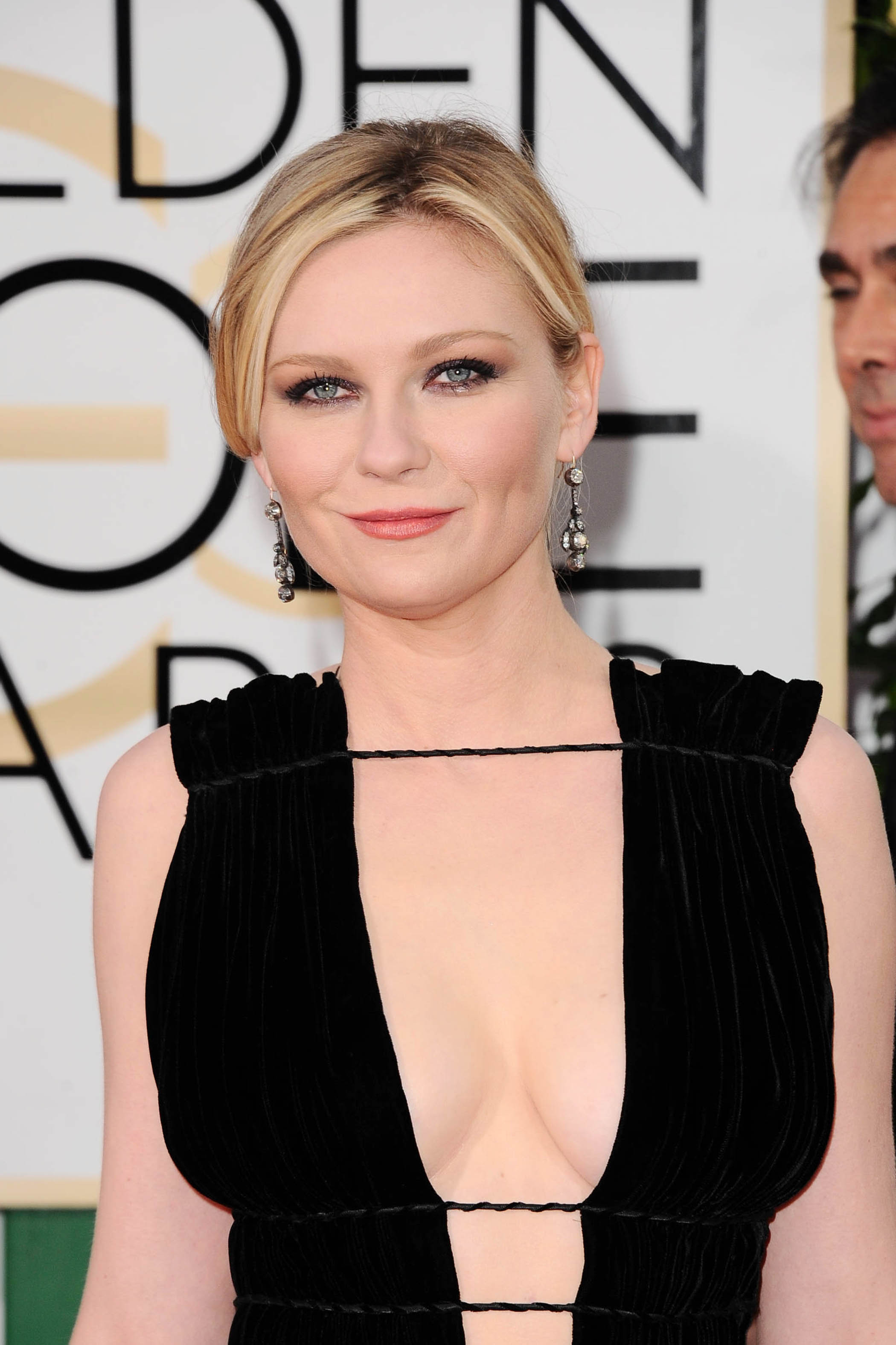 Kirsten Dunst at Golden Globes Awards 2016