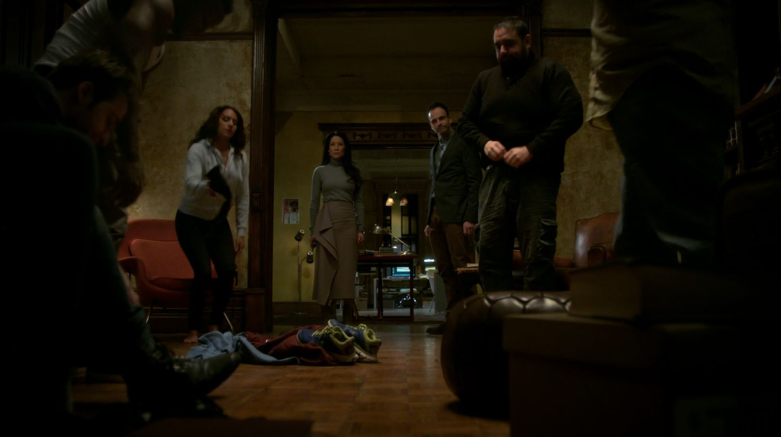 Joan watches Everyone take clothes off. Elementary S4Ep17