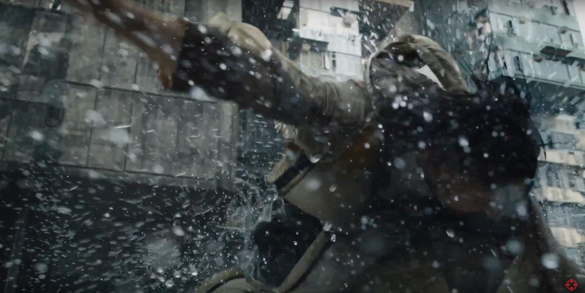 Villain gets sucker punched - Ghost In The Shell
